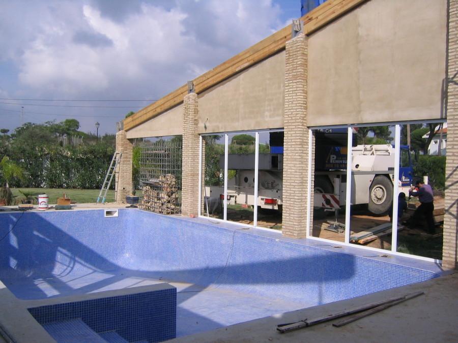 reforma de una piscina y su cubierta en una vivienda
