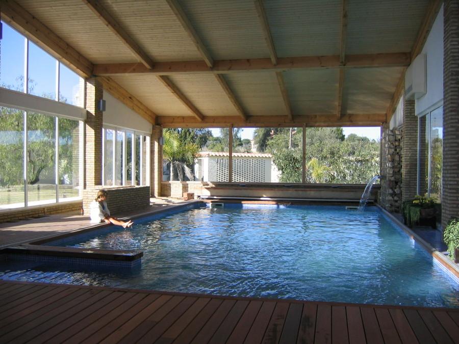 Reforma de una piscina y su cubierta en una vivienda for Cubiertas minimalistas