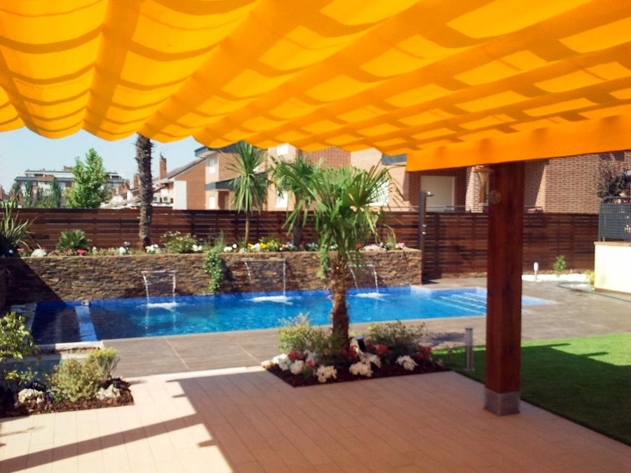 Dise o jardin con piscina en rivas vaciamadrid ideas for Diseno jardin con piscina