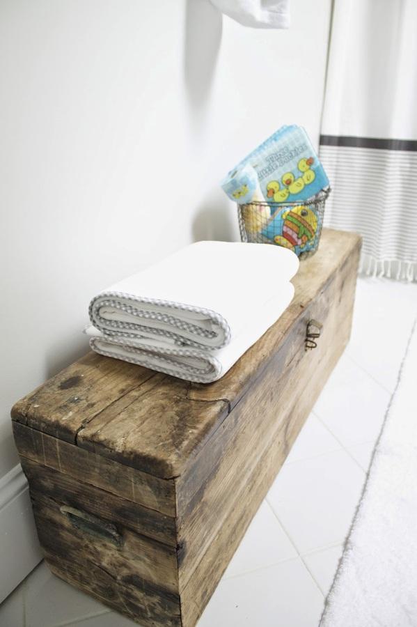 Foto: Puedes Ubicar Tu Baúl como Mueble para el Baño de ...