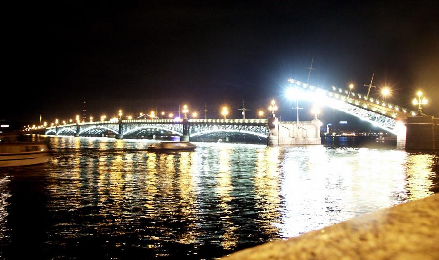 Puente Trotsky en San Petersburgo