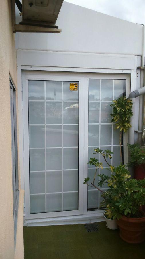 Puerta abatible perfil aluminio