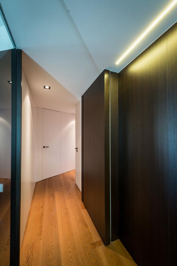 Puerta acceso pasillo | Proyecto Pedralbes