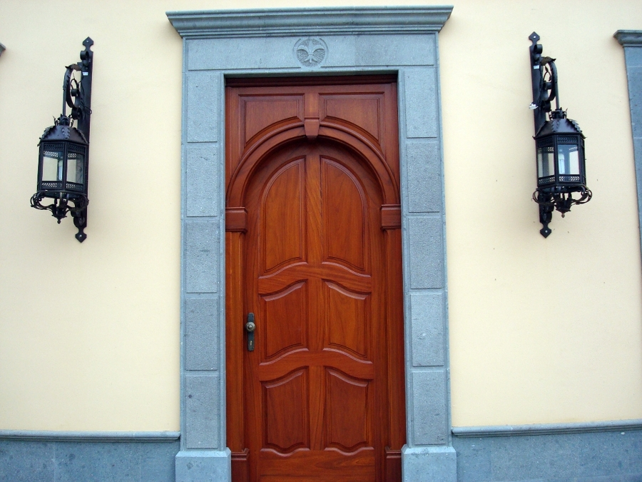 Puerta de entrada blindada ideas construcci n casas for Puertas para casa entrada principal