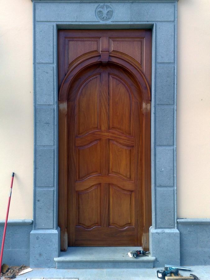 Puerta blindada de seguridad
