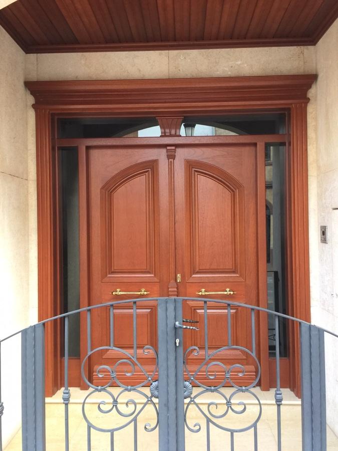 Puerta Calle 2 hojas  + fijo + montante