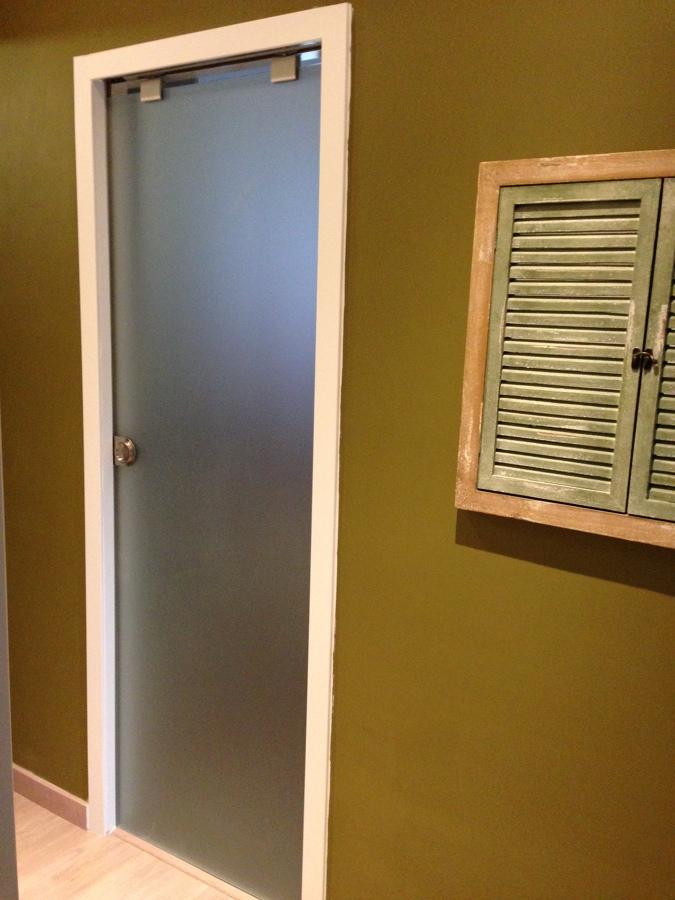 Foto puerta cocina corredera de oscar sanchez fabregat - Puerta corredera krona ...