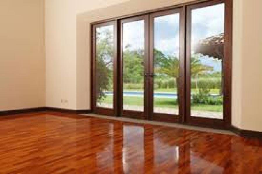 puerta con fijos y apertura abatible