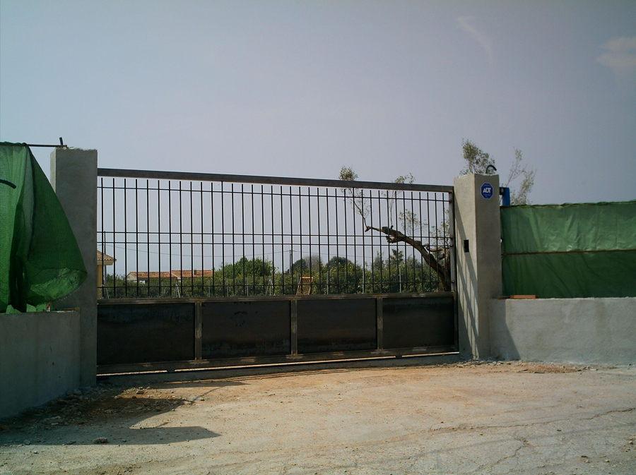 Puerta Corredera.