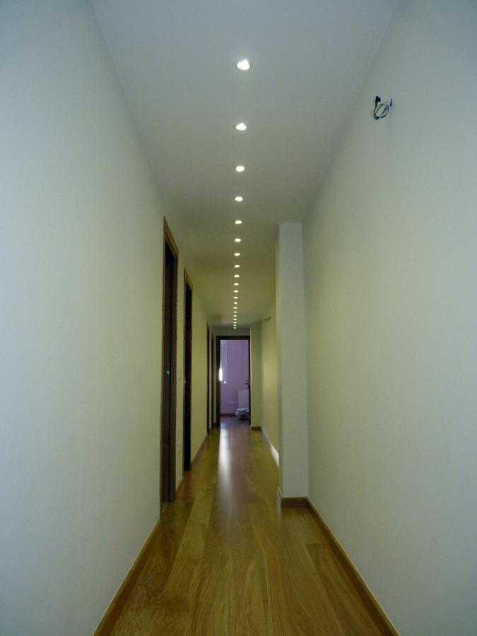 foto pasillo con iluminaci n de led de koa interiorismo