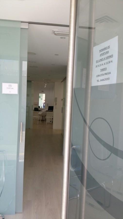 puerta corredera vidrio carboneras almeria
