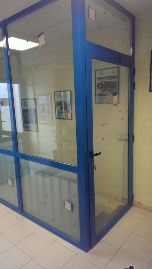 Puerta de acceso a planta inferior