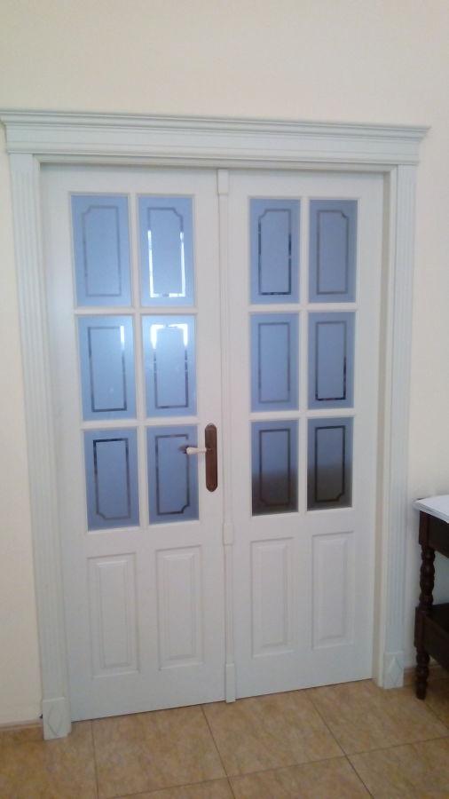 Puerta de acceso a sal n de doble hoja ideas carpinteros for Ideas puertas salon