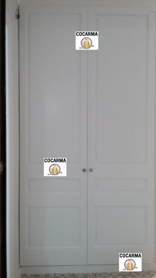 Puerta de armario de recibidor de vivienda