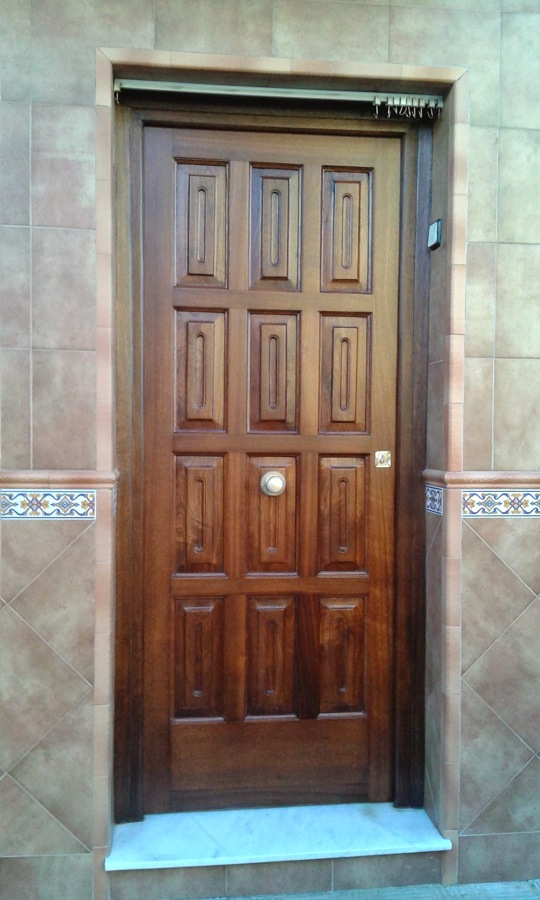 Puerta de entrada restaurada
