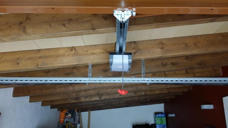 Foto puerta de garage imitaci n madera de aluminios - Garage de madera ...