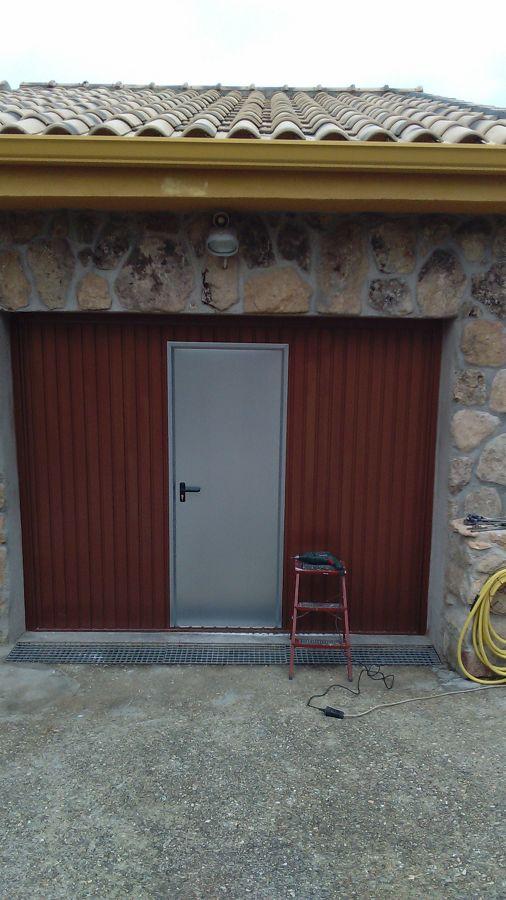 Puerta de acceso a garaje ideas reformas viviendas - Proyecto puerta de garaje ...