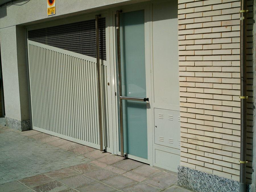 Puerta de Garaje y Peatonal