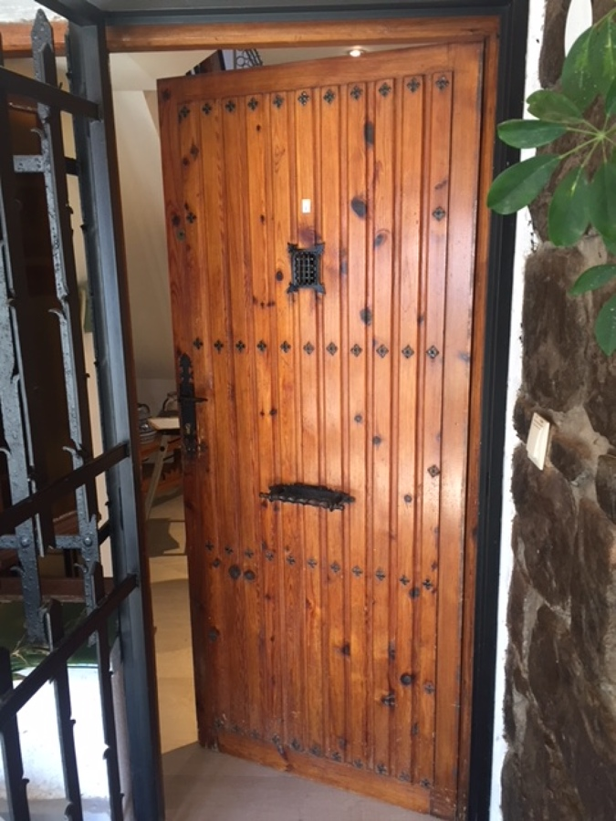 Puerta de la casa a sustituir