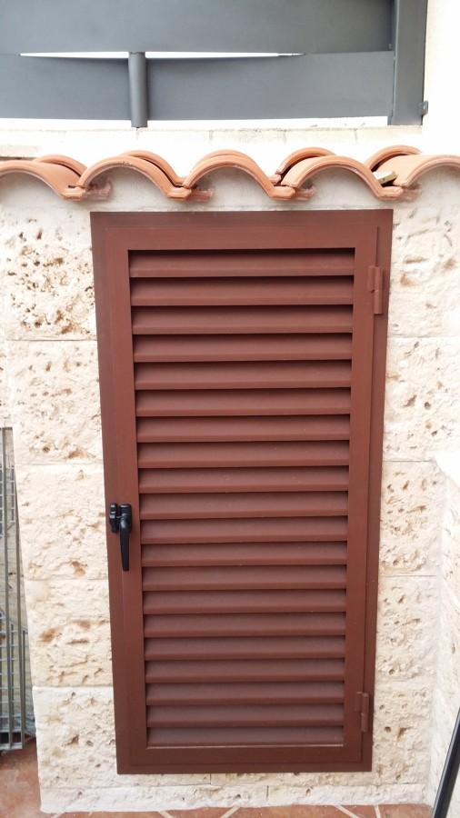 Obras realizadas ideas carpinter a met lica - Puerta de lamas ...