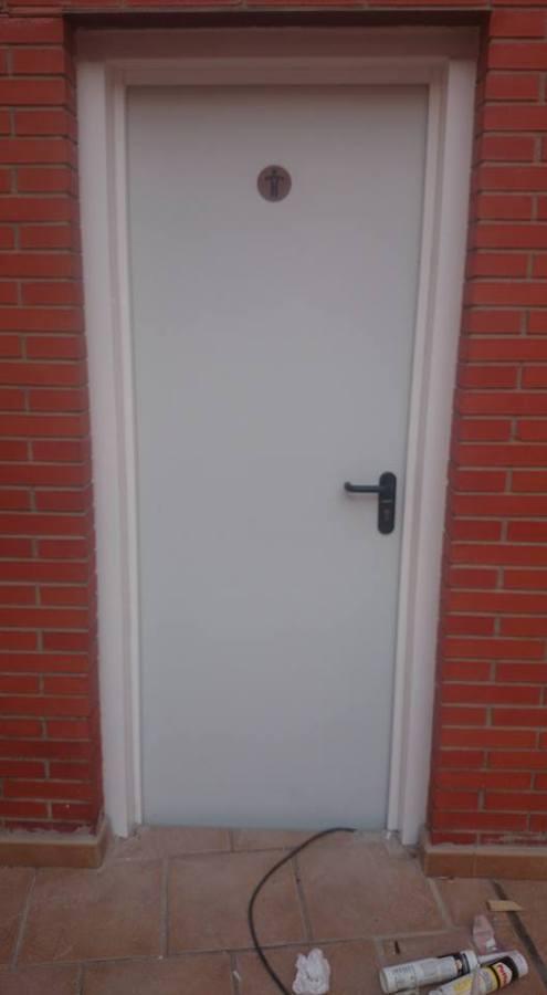 Puerta de servicios de comunidad