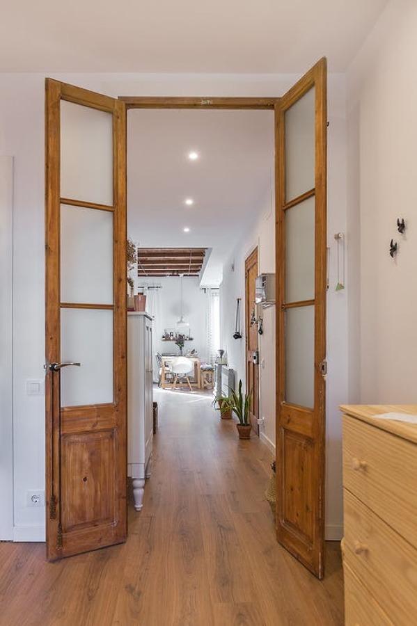 Puerta doble de madera