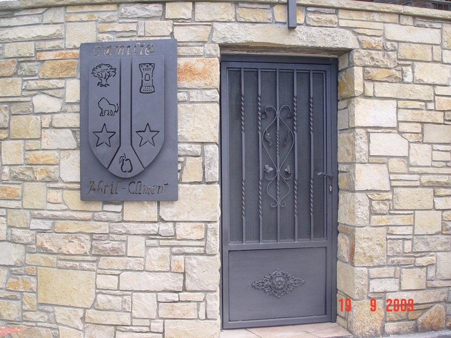 puerta en forja