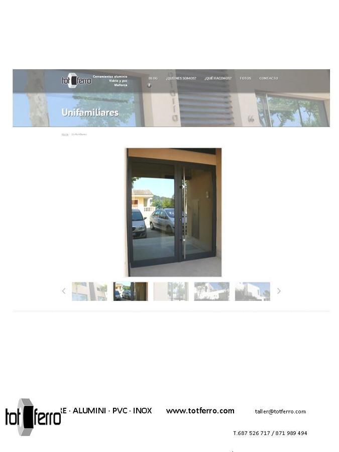 Foto puerta entrada edificio viviendas de tot ferro for Puerta entrada vivienda
