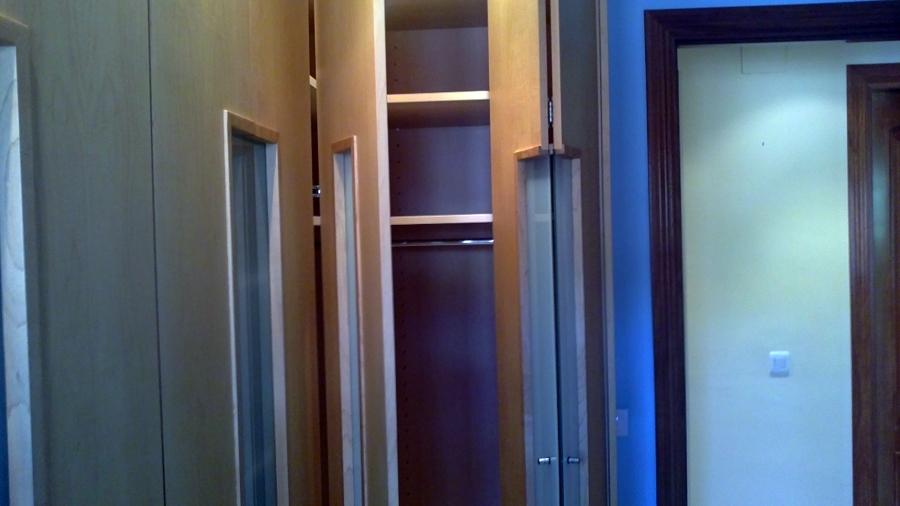 puerta esquinera habatible