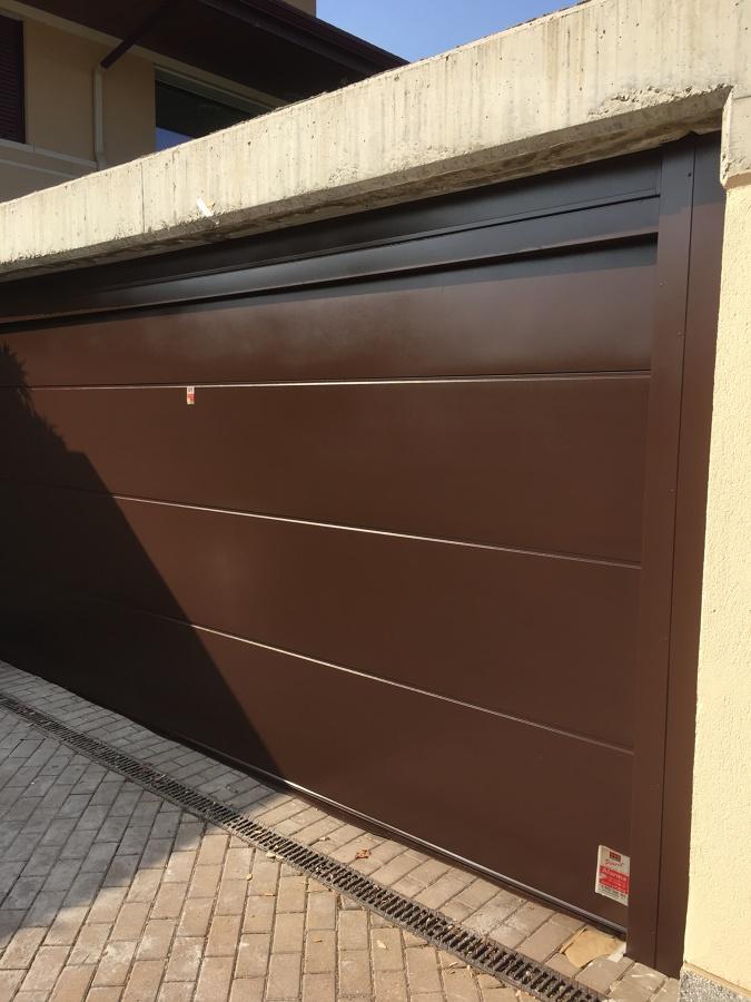 puerta garaje pintada en esmalte
