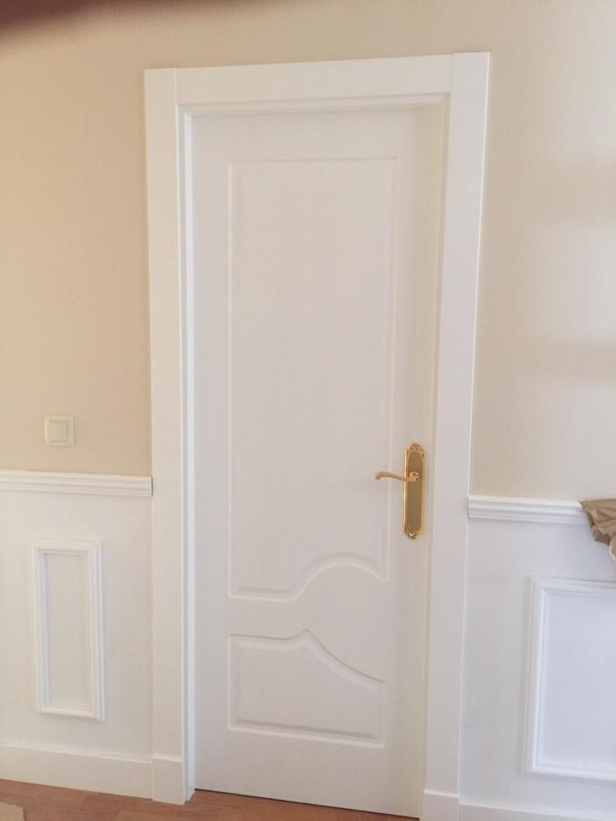 Puerta interior lacada