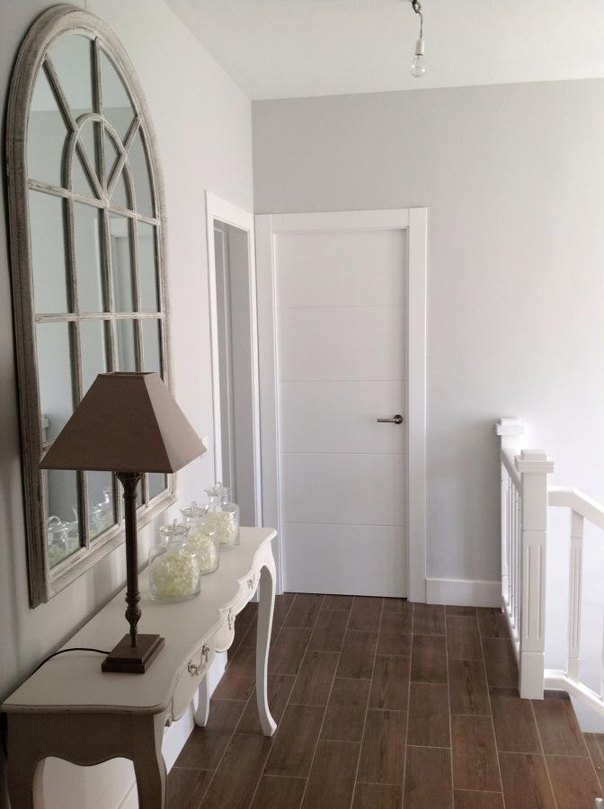 Puerta lacada en blanco 4 grecas