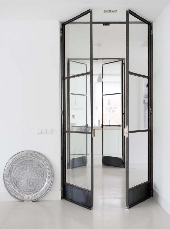 Puerta metal y vidrio