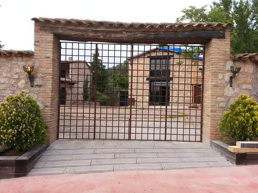 puerta modelo catalán