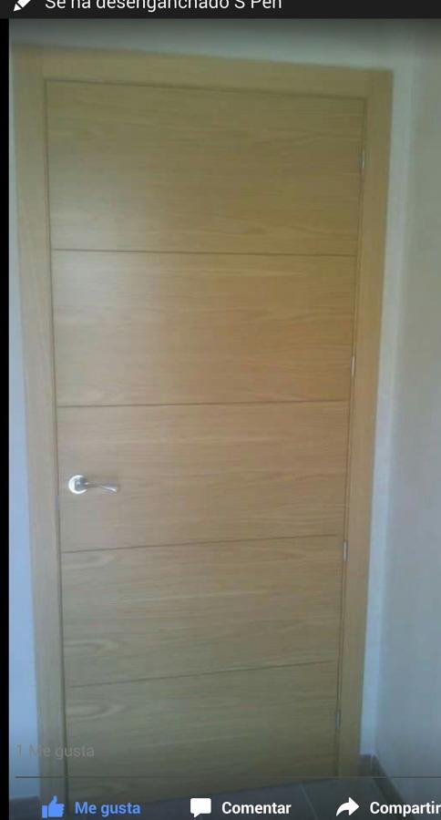 Puertas moderna de roble ideas carpinteros for Puertas roble modernas