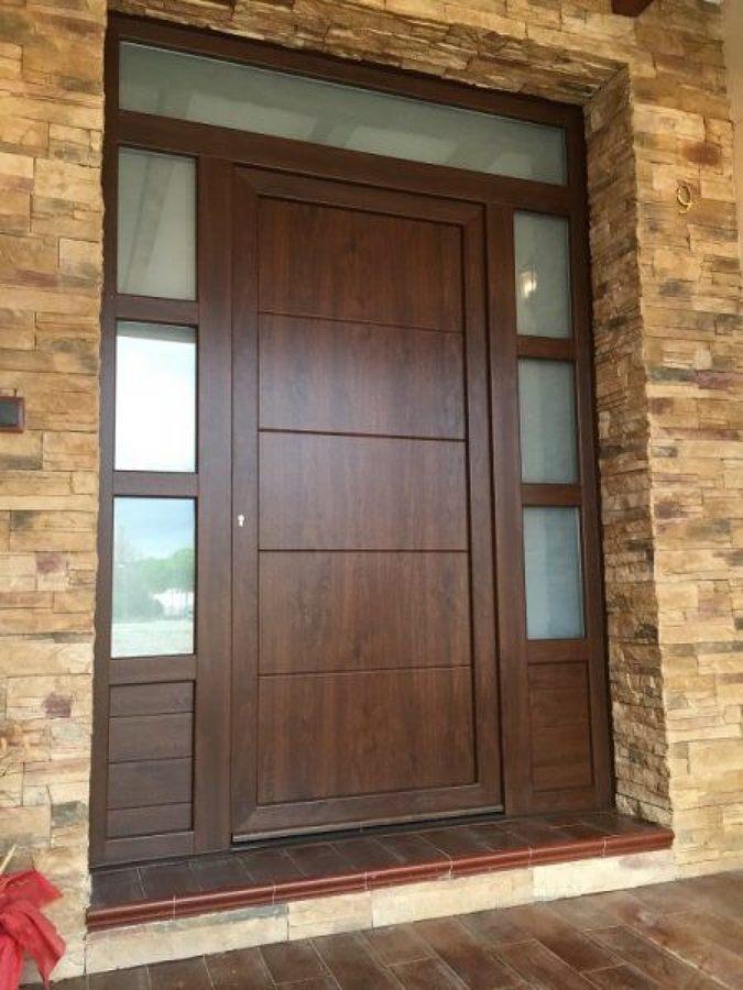 Foto puerta pvc de emilio aluminios 1477489 habitissimo for Puertas de calle de pvc