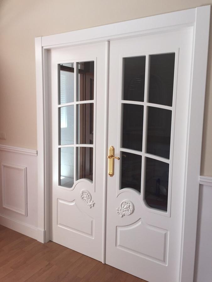 Foto puerta sal n lacada blanco modelo lequerica de - Precios de puertas lacadas en blanco ...