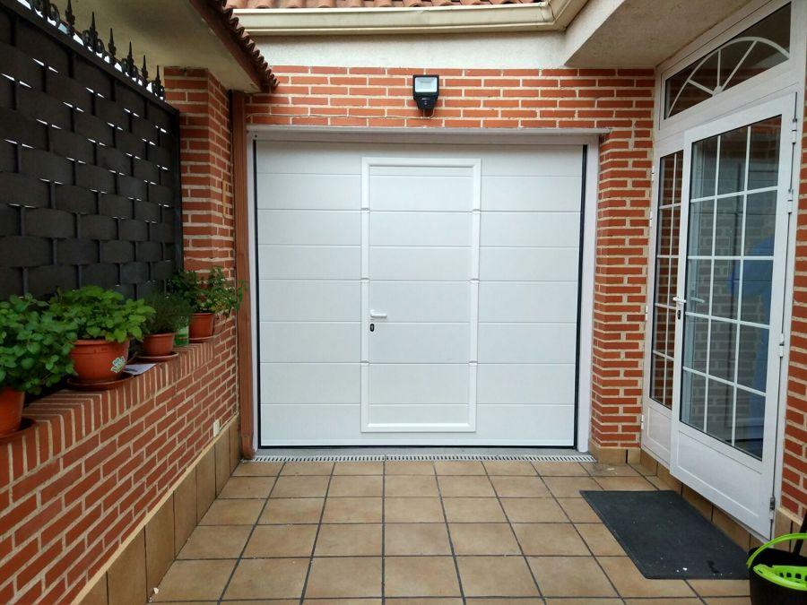 Puerta de garaje seccional 2d lisa ideas puertas garaje for Garaje de ideas