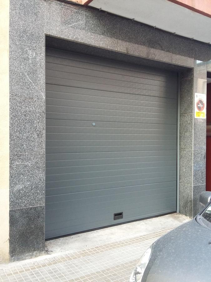 Instalaci n de puerta seccional autom tica para garaje - Proyecto puerta de garaje ...