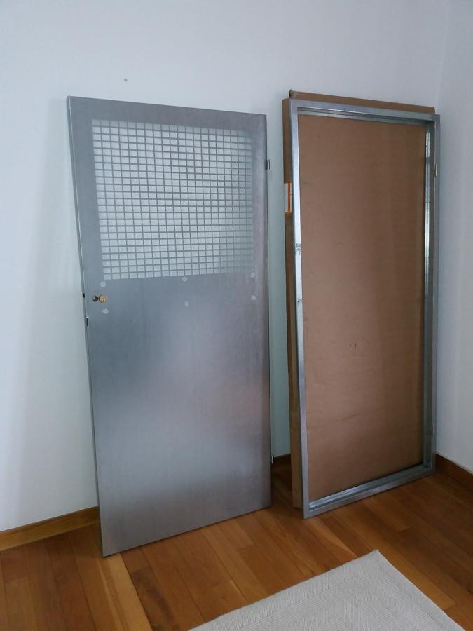Foto: Puerta y Marco Galvanizado a Medida de Amv_arquitectur ...