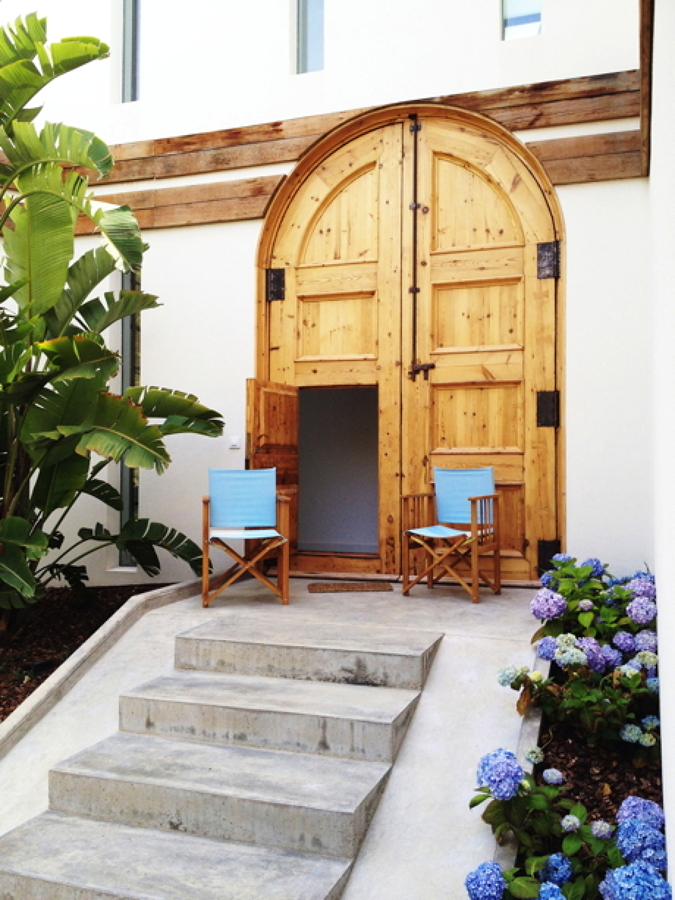 Puerta-y-sillas-2-Casa-A-08023-Arquitectos-Barcelona