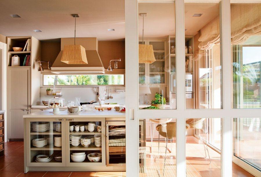 Open concept 10 ideas para tener una cocina abierta al - Puertas correderas de salon ...
