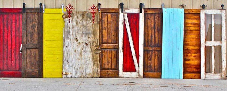 Pinta de colores tus puertas correderas ideas pintores for Construir puerta corredera