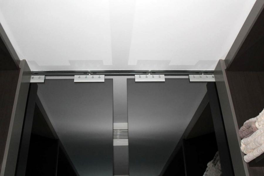Puertas correderas de espejo