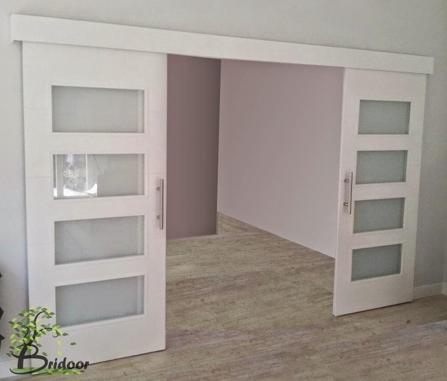 Puertas armarios y dise os a medida ideas reformas for Puertas decorativas para interiores