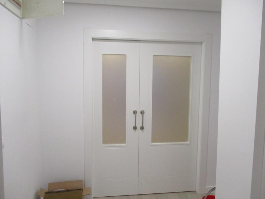 Reforma de un piso en madrid ideas reformas viviendas - Puertas correderas de salon ...