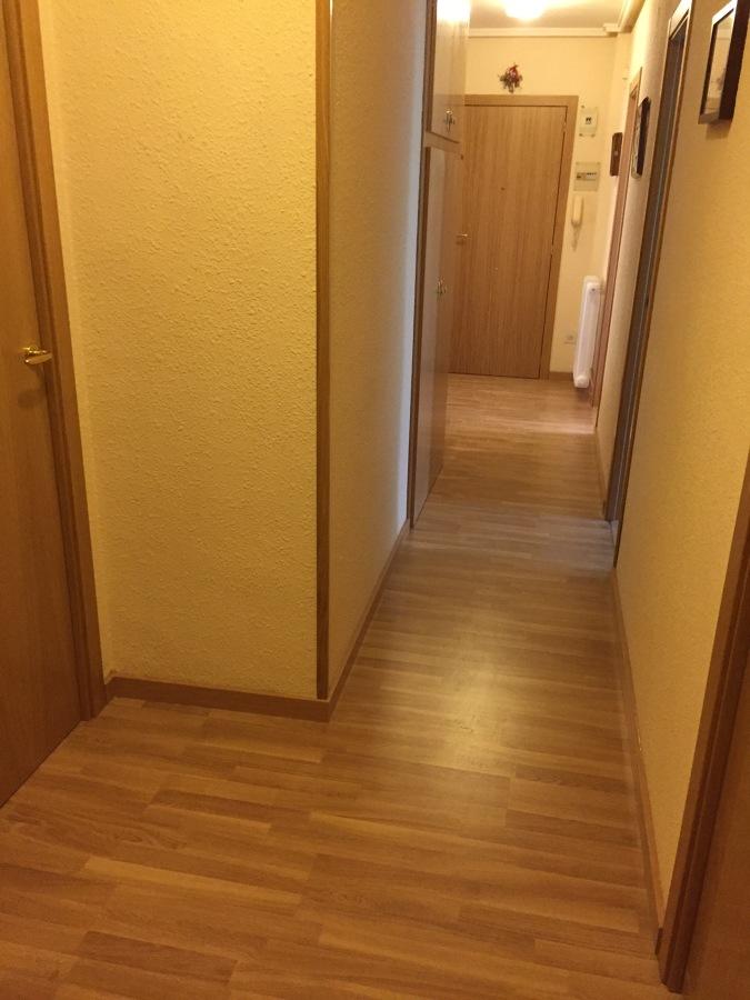Parquet puertas y armarios ideas carpinteros - Puertas de roble ...