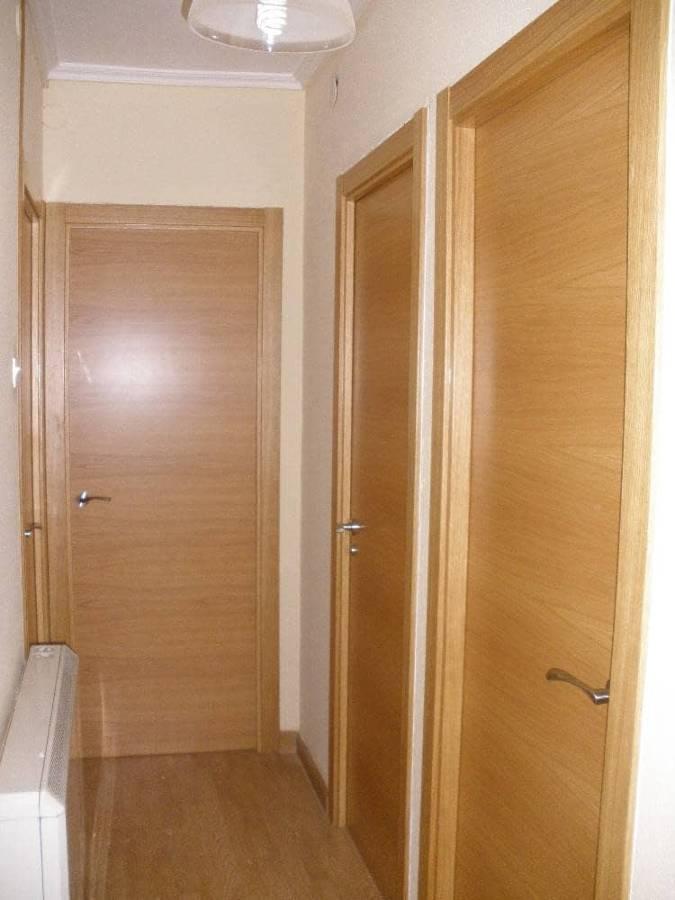 puertas en roble barnizadas
