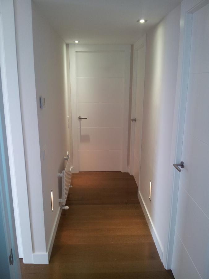 puertas lacadas en blanco hasta el techo