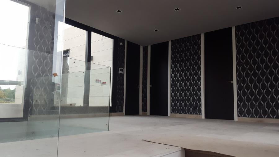 puertas lacadas en negro